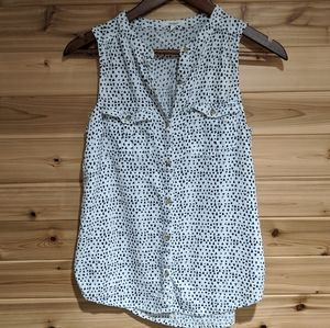 3/$20 Maurice's Button up Tank